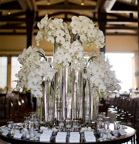 You can use for centerpieces bouquets or flower arrangements