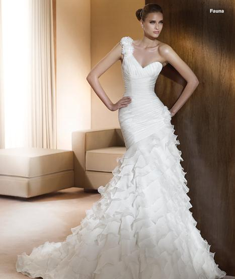 Wedding Gowns online (sorry, its quite a long post) :