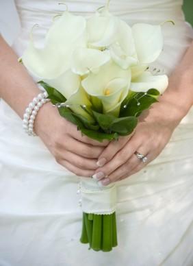 white_calla_bouquet.jpg