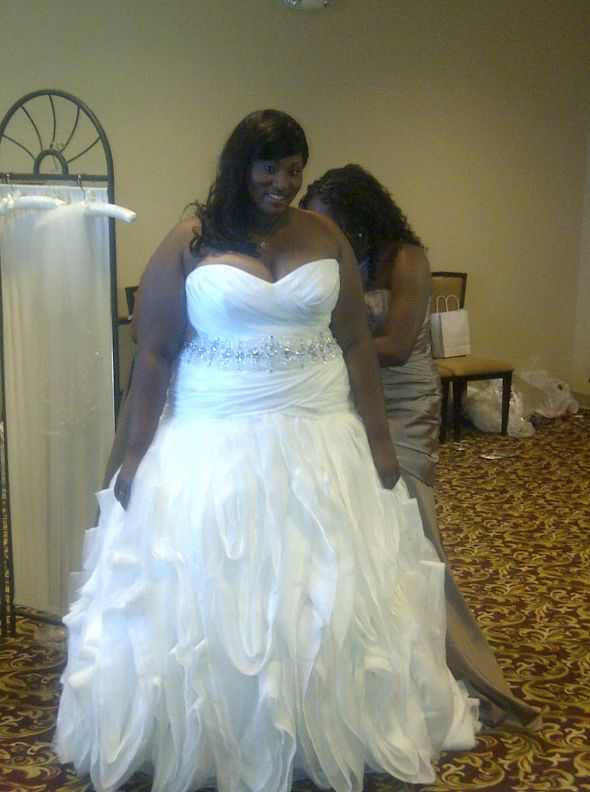 Size 16 Brides On Pinterest Plus Size Wedding Plus