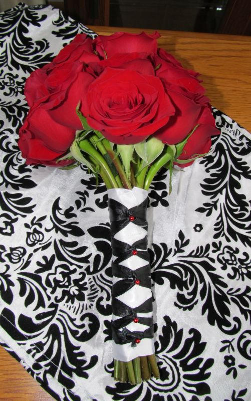DIY Rose Bouquet :  wedding bouquet diy flowers red roses 031