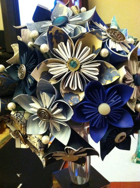 http://bios.weddingbee.com/pics/105168/bouquet.jpg
