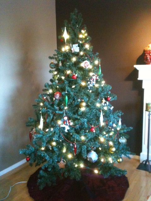 Post pics of your Christmas trees wedding christmas trees Tree2