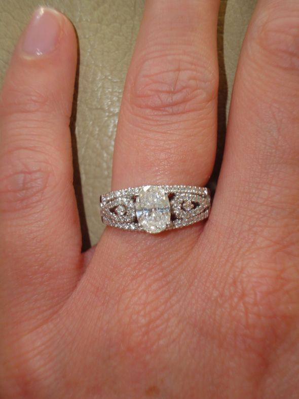 tried on an oval diamond ring wedding ring oval diamond DSC00314