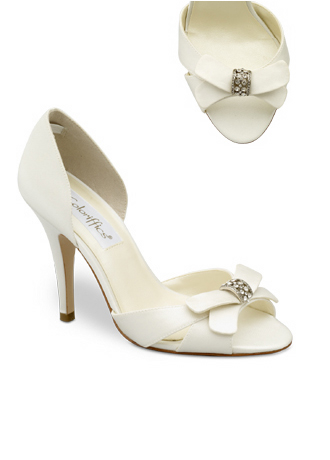 wedding Shoes But I don 39t really care for the rhinestone brooch in the