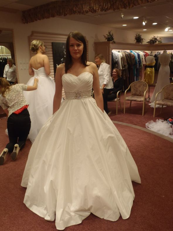 Holy balls, my dress is here!!!