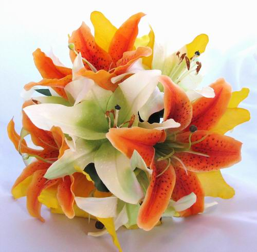 Wedding Flowers: wedding bouquets with orange flowers