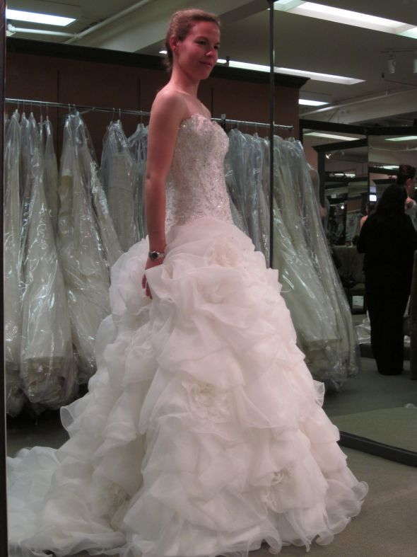 Yep, this is my dress :) :  wedding allure c170 dress IMG 0952