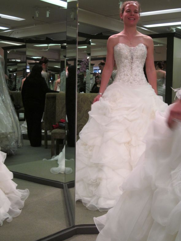 Yep, this is my dress :) :  wedding allure c170 dress IMG 0953