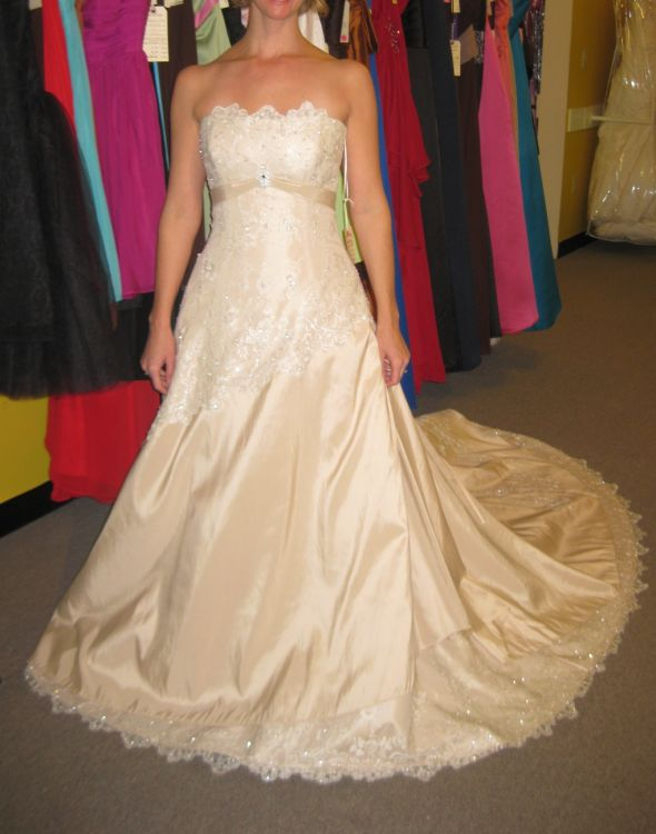 ok all you georgous ladies please show me your dress under weddingbee page 2