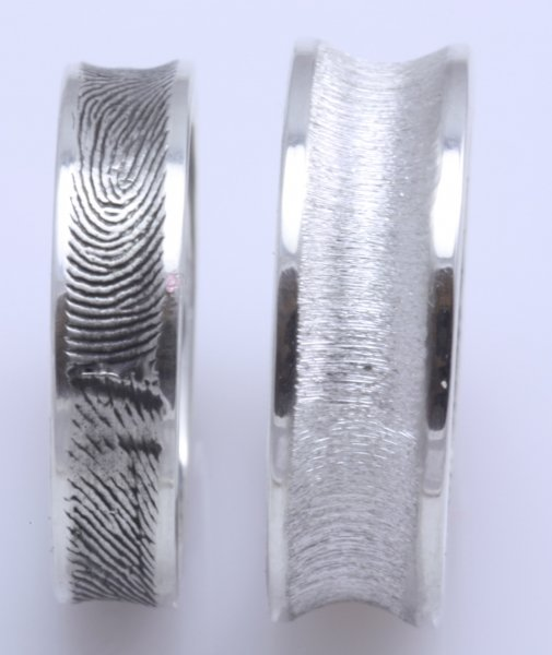 Any ladies w Fabuluster fingerprint wedding bands