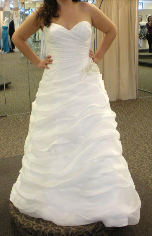 A strapless wedding dress into a oneshoulder wedding DSCN1546copy