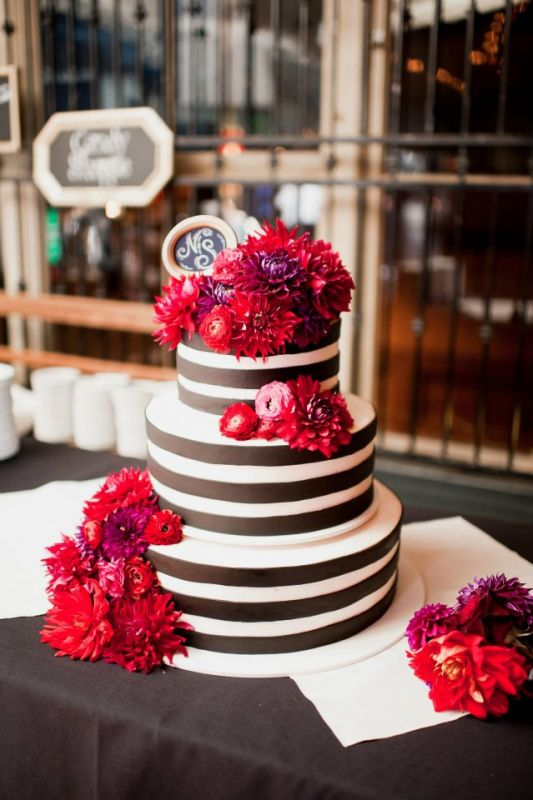 My cake was all I dreamed of wedding stripe black purple red ivory cake