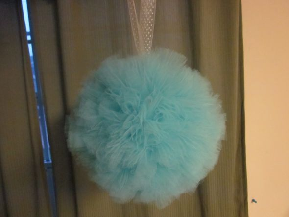 My DIY BlueTulle Pomander :  wedding beach wedding blue blue tulle pomander fluffy teal Pom 1