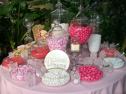 wedding table candy pink