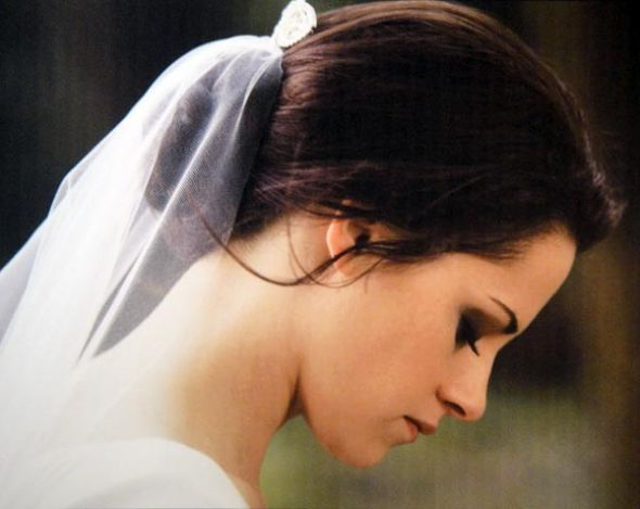 Pictures of Bella 39s wedding hairstyle wedding 111711 Bella Wedding Dress