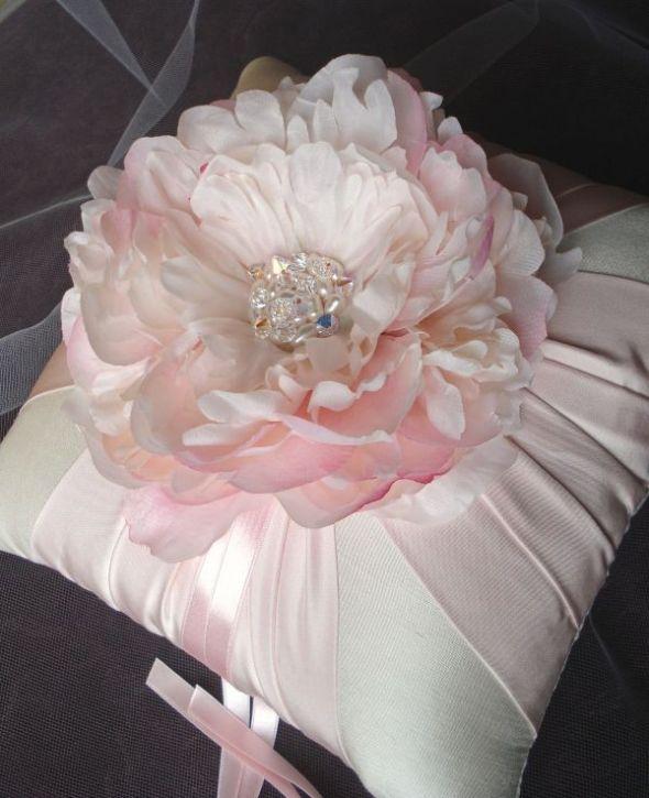 http://bios.weddingbee.com/pics/117612/peony_ring_pillow.jpg