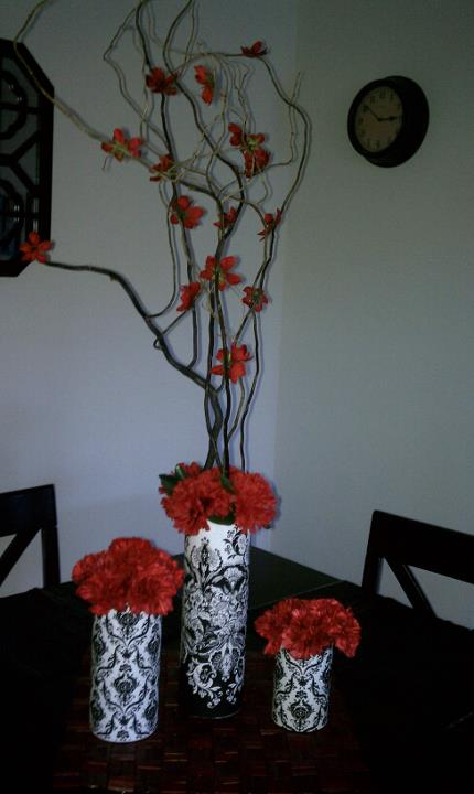 17 gorgeous damask centerpieces wedding black red white flowers Cone