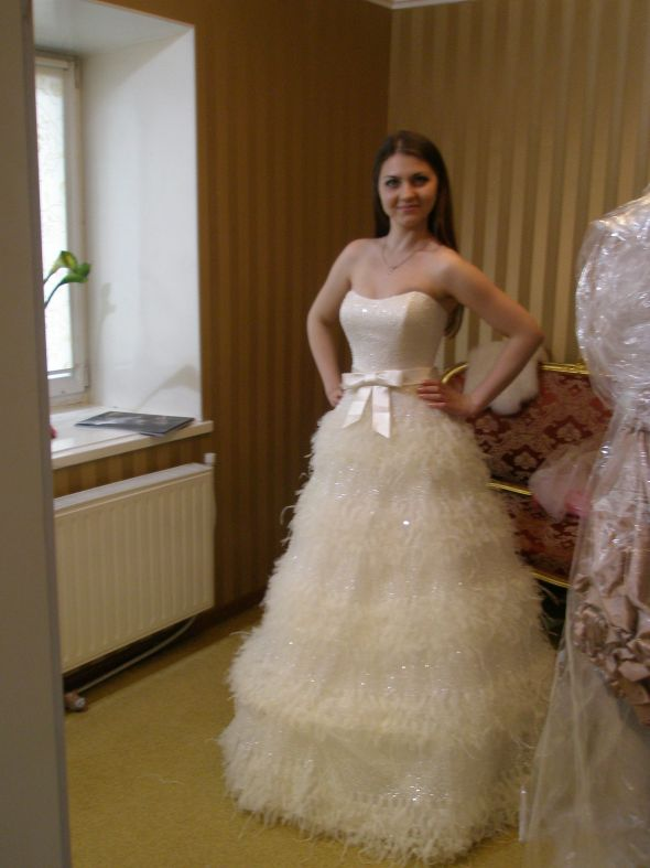 My wedding dress wi finally decided with my wedding dress i adore it what do you think junglespirit Choice Image