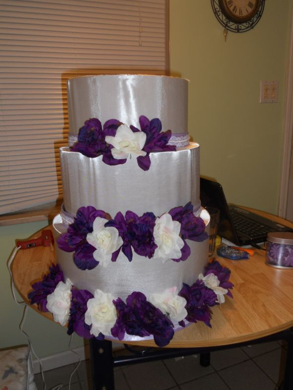 Round wedding cake cardbox wedding cardbox ivory flowers purple cake diy