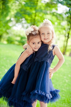 Flower Girls :  wedding blue dress flower girls flowers green navy navy dress white 182146 739767310187 1887602560 N