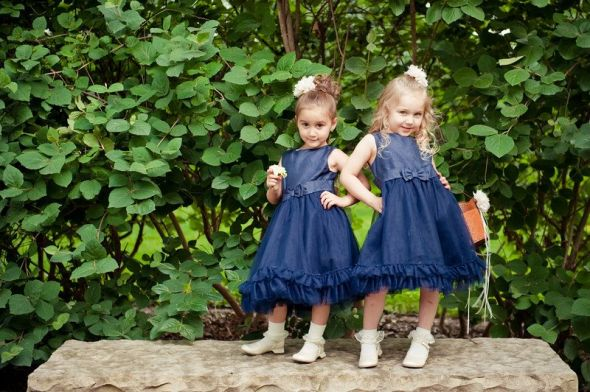 Flower Girls :  wedding blue dress flower girls flowers green navy navy dress white 599672 739567790027 870945209 N