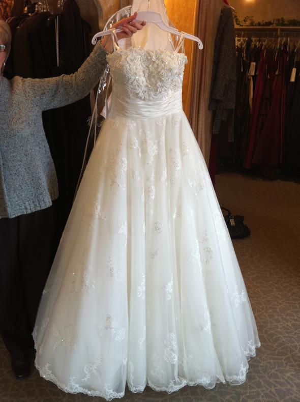 My Justin Alexander ! :  wedding ball gown dress justin alexander lace white IMG 0597