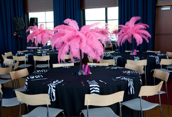 Ostrich feathers are considered to be very modern and appropriate for