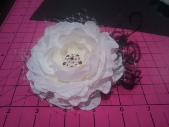 Hair Flower :  wedding hair flower black ivory diy 2012 03 052018 58 47