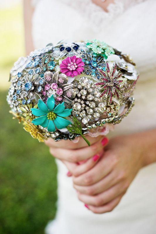 Diy Wedding Flowers Weddingbee : My diy brooch bouquet weddingbee photo gallery