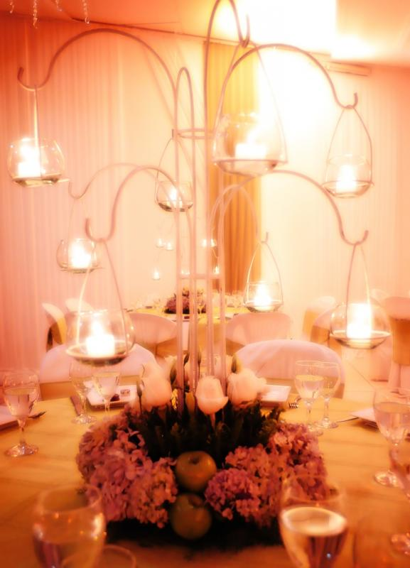 Our centerpieces... candles and appl