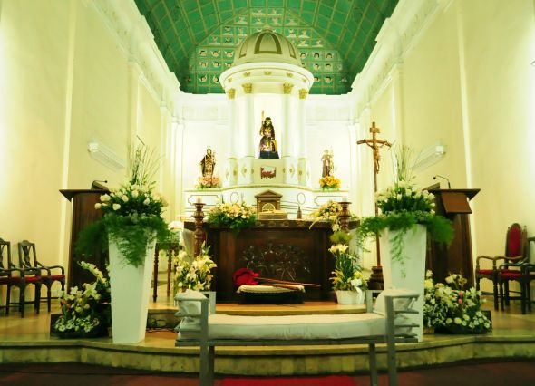 Catholic church wedding decoration photograph the altar for Altar decoration wedding