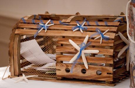 creative card box ideas other than a suitcase wedding cardbox
