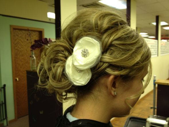 Hair Trial - keep or not to keep? :  wedding flower hair ivory trial updo Hairtrial 3