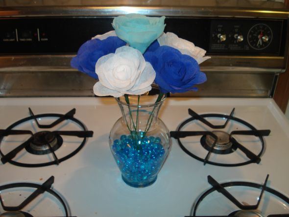 wedding crepe paper centerpiece diy teal blue navy white
