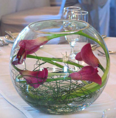 wedding centerpieces calla lilies babys This one would be in a larger
