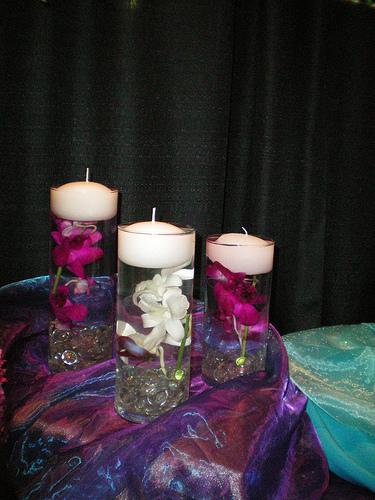 Using stones in cylinder for centerpiece wedding candle centerpieces