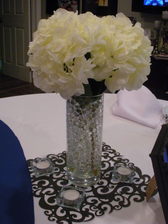 Ignore the blue linen beside it Hydrangea Centerpiece mock up wedding