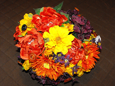 I make lots of different items for wedding including centerpieces bouquets