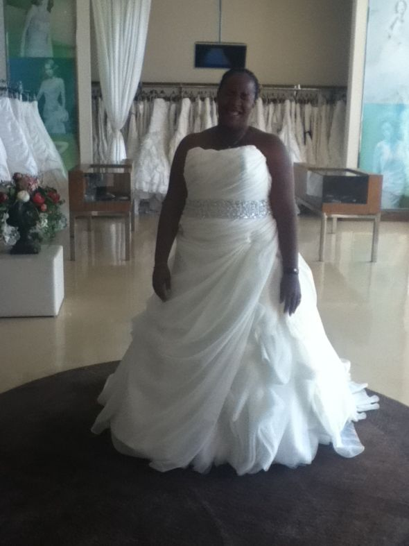 Los angeles wedding dress shops grand for Wedding dress boutiques los angeles