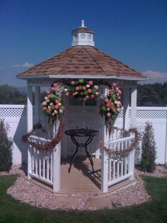 Lolli 39 s blog one great budget idea for wedding for Outdoor wedding gazebo decorating ideas