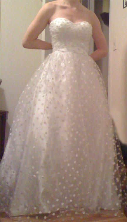BEWARE of Angela Vaden\'s Wedding Dress Shops