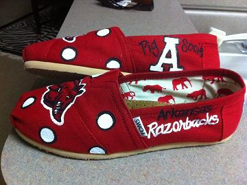 Razorback Toms? :  wedding arkansas hogs razorbacks red shoes toms Hogtoms