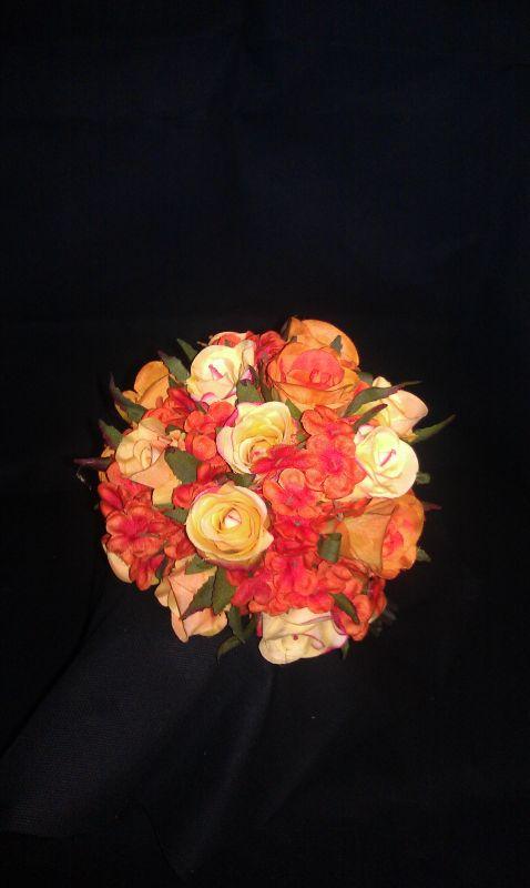Gum Paste Flowers for Wedding Cakes - Wedding Cake Ideas | Designs
