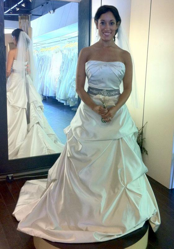 Confession: Now I\'m a THREE dress bride! (Pic heavy!!)