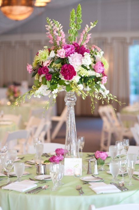 CENTER PIECE wedding green flowers Center Pieces