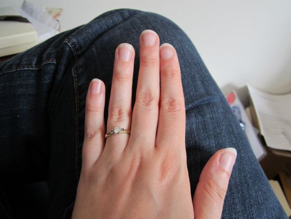 Excellent Ladies with stubby nails, what are you doing for your wedding day? 590 x 443 · 33 kB · jpeg