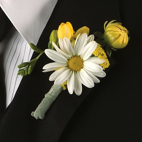 Inspiration board wedding navy green white yellow inspiration Boutonniere