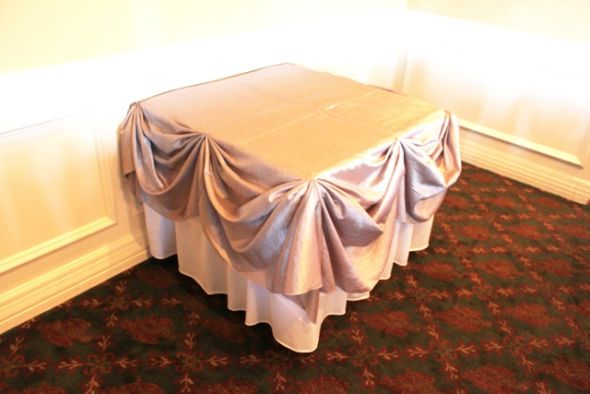 Chicago Cake Table Decoration wedding cake table decoration chair covers