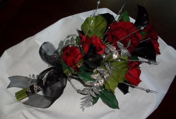 Black Red and Silver Cala Lily and Rose Bridal Bouquet wedding black red